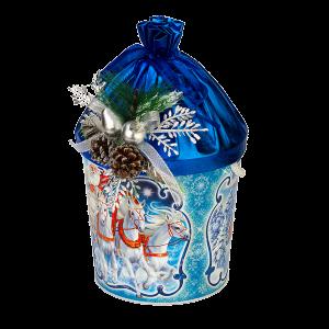 Новогодний подарок Зимушка стоимостью 1500 руб. и весом  гр.